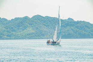 ヨットセーリングのイメージ